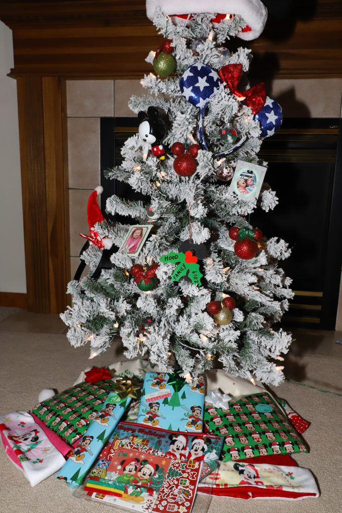 Diy Mickey And Minnie Mouse Disney Christmas Tree For The Love Of Food