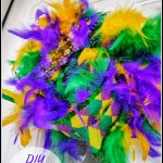 DIY 5 Minute Mardi Gras Wreath | Dollar Tree Craft